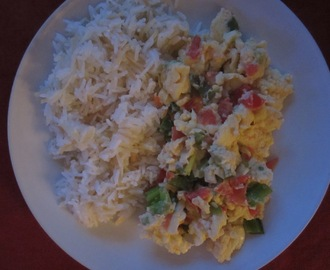 Vegetable Egg Scramble and Arroz Con Fideos (Rice with Noodles)
