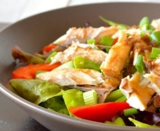 Super healthy lunch: salade met makreel en gemberdressing