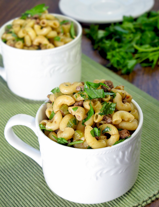 Beef macaroni with soy and ginger
