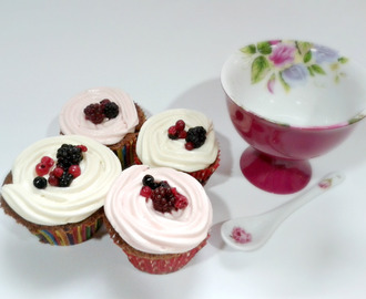 Cupcake Frutos del Bosque y Chocolate Blanco