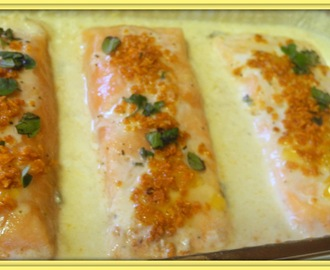 Baked  Onion Salmon with Sweet Potato Crumbs