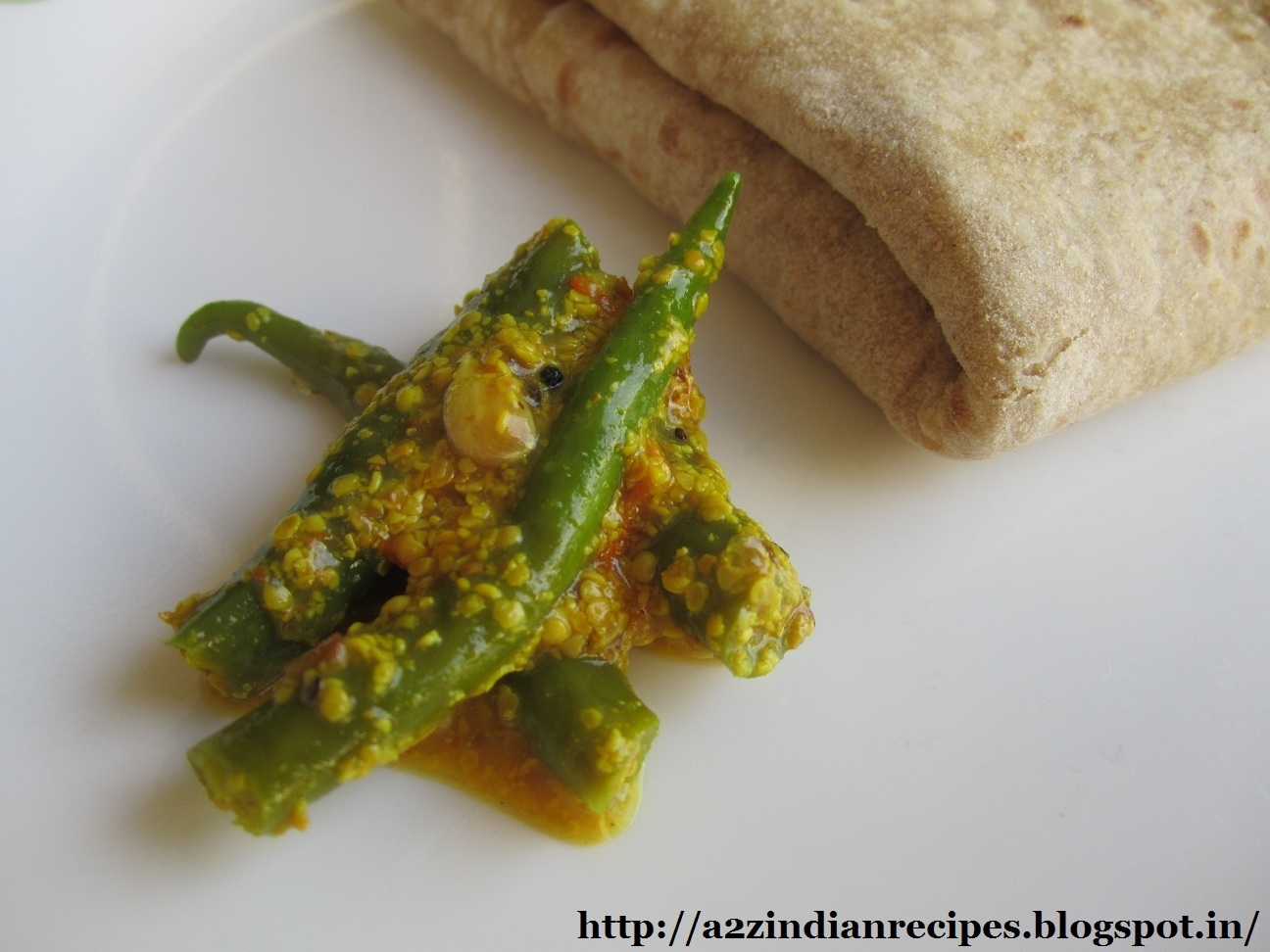 Green Chilli Pickle / Hirvya Mirchiche Lonche