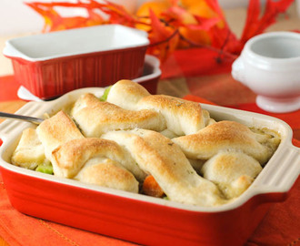 BREADSTICK TOPPED CHICKEN POT PIE