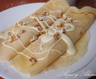 Crêpes de ciruelas, nueces y chocolate blanco