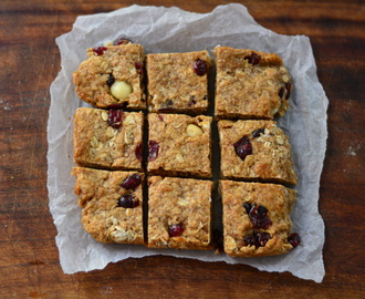 Healthy coconut, macadamia nut and cranberry flapjacks