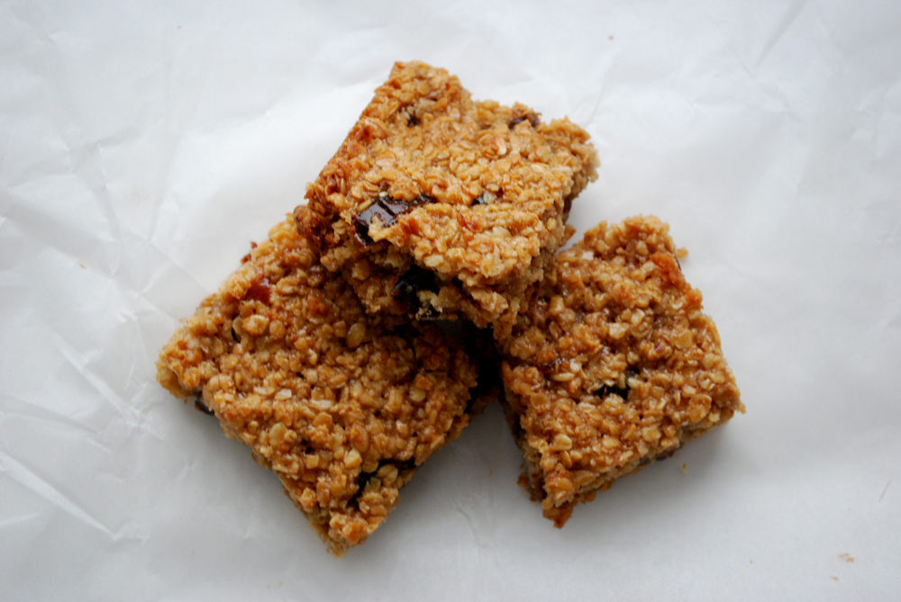 Recipe: sticky date and walnut flapjack