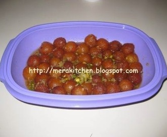 Gulab Jamuns (made with milk powder)