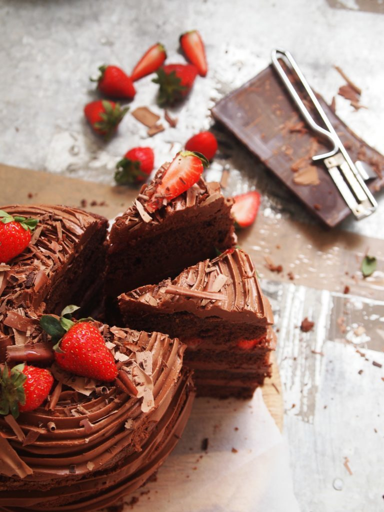 Chocolate Naked Cake with Nutella Cream Cheese Frosting & Strawberries