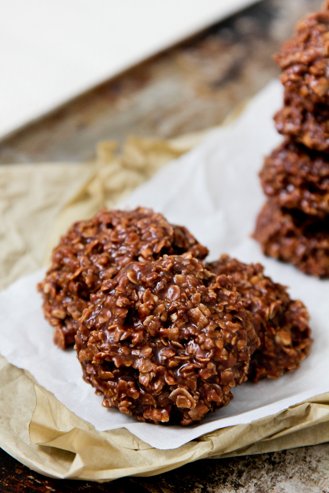 No-Bake PB Chocolate Oatmeal Cookies