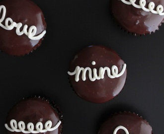 Cream-filled Hostess Style Cupcakes