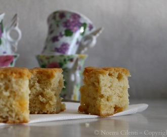 Yogurt and white chocolate mini cake - Tortini allo yogurt e pezzi di cioccolato bianco