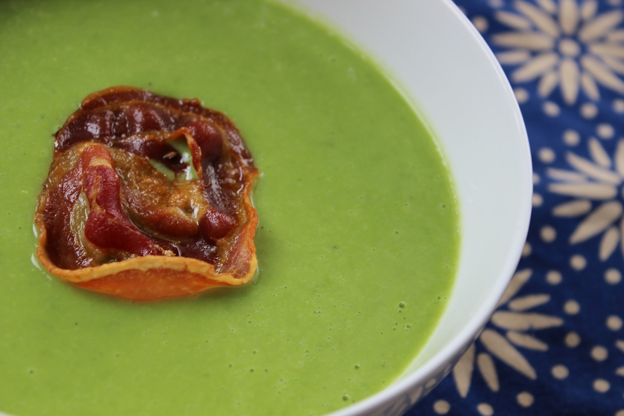 EASY EASY EASY Pea Soup with Crispy Pancetta