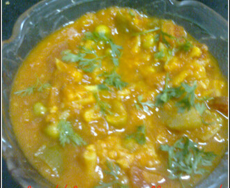 Mix vegetable curry in tomato gravy