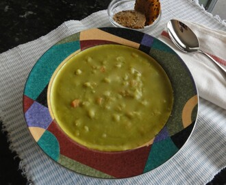 Split Pea Soup with Barley and Carrots