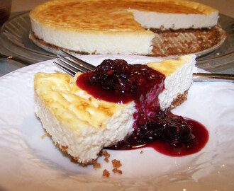 Amazing Gluten Free and Sugar Free Low Carb Cheesecake