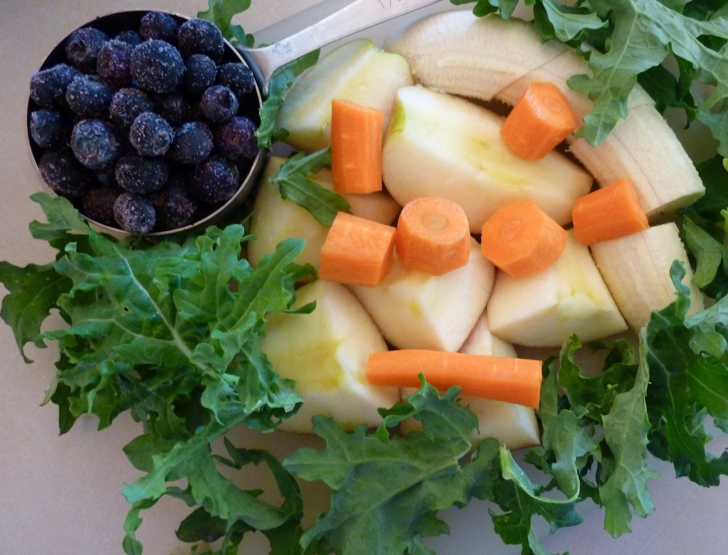 Don't Forget The Veggies In Your Morning Smoothie! Amount Of Fruits And Veggies Needed Daily.