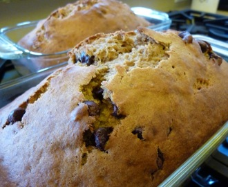 Healthy Whole Grain Banana Bread With Walnuts or Chocolate Chips (or Both!)