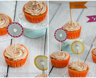 … and a happy new year! Kürbis-Walnuss-Cupcakes mit Zimt-Frosting