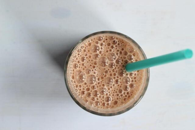 Havermout smoothie met cacao en banaan