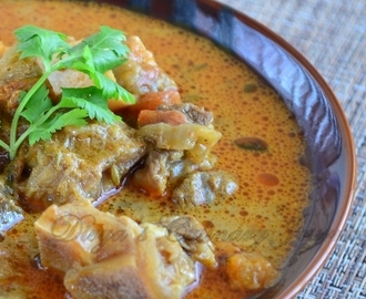 Mutton Kuzhambu / Mutton Curry
