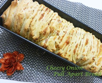 Cheesy Onion- Pull Apart Bread