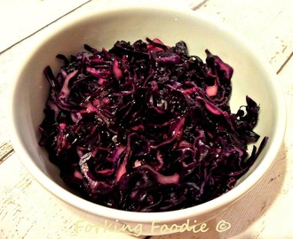 Turkish Red Cabbage Salad