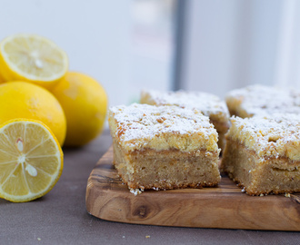 Lemon Curd Crumble Cake