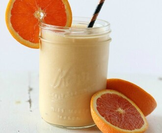 Mandarin Orange Coconut Creamsicle Protein Smoothie