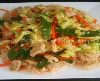 Filipino Chicken Pancit Bihon Dish (Rice Noodles) Recipe