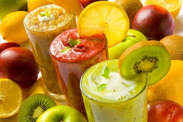 Mes Smoothies au Thermomix : Banane, Kiwi, Fraise et Jus d'orange