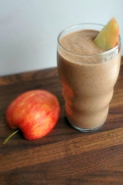"Dark Chocolate Peanut Butter Apple Banana Smoothie-Peanut Butter & Co. ""Knockout Peanut Butter Smoothie"" Sweepstakes!"
