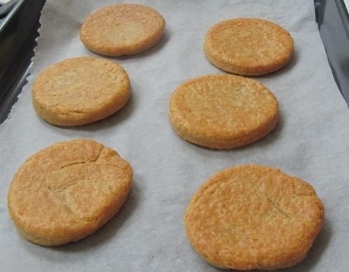 Savoury Cheese and Paprika Biscuits