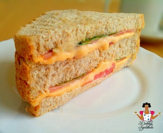 How to make Ham and cheese sandwich