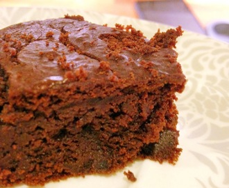 CHOCOLATE FUDGE CAKE (GUEST POST)