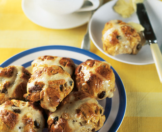 Hot Cross Buns | Nigella's Recipes | Nigella Lawson