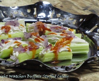 Weight Watchers Monday ~ Buffalo Stuffed Celery