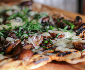 Grilled Flatbread with local Pecorino and Mushrooms