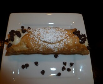 I made Cannoli!   Ricotta or Custard Filled?
