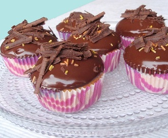 Appelsiini-suklaacupcake / Chocolate Orange cupcake