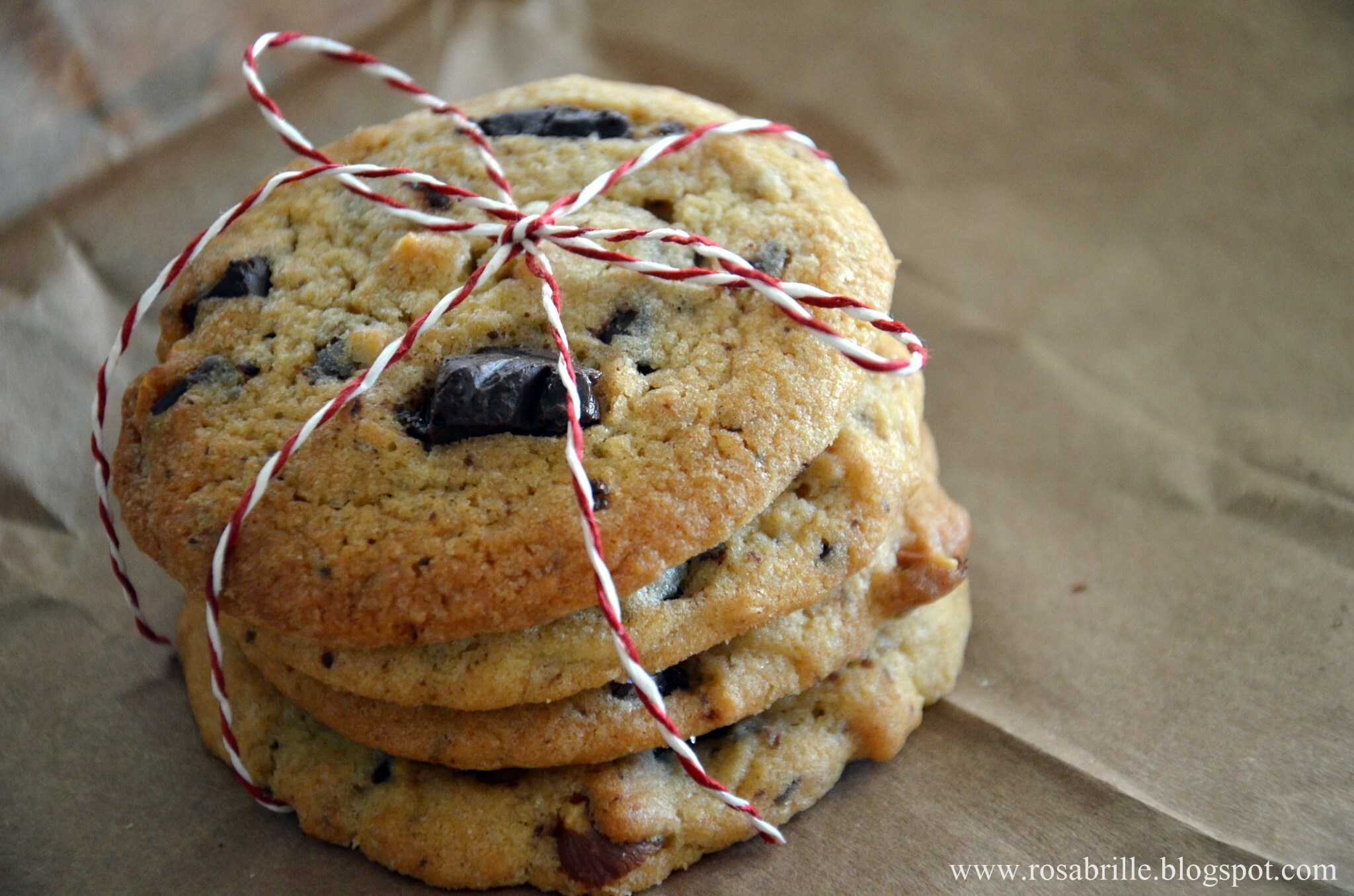 Chocolate Chip Cookies {mhmm}