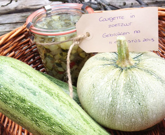 Courgette en uien (recept: courgettes in zoetzuur)