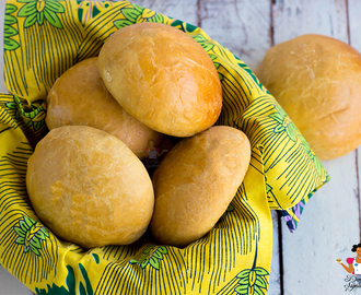 How to make easy bread rolls from scratch