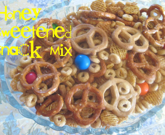 Honey-Sweetened Snack Mix