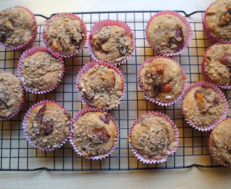 Plum muffins (vegan and streusel topped)