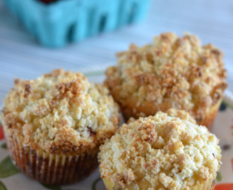 Gluten-Free Strawberry Crumb Muffins
