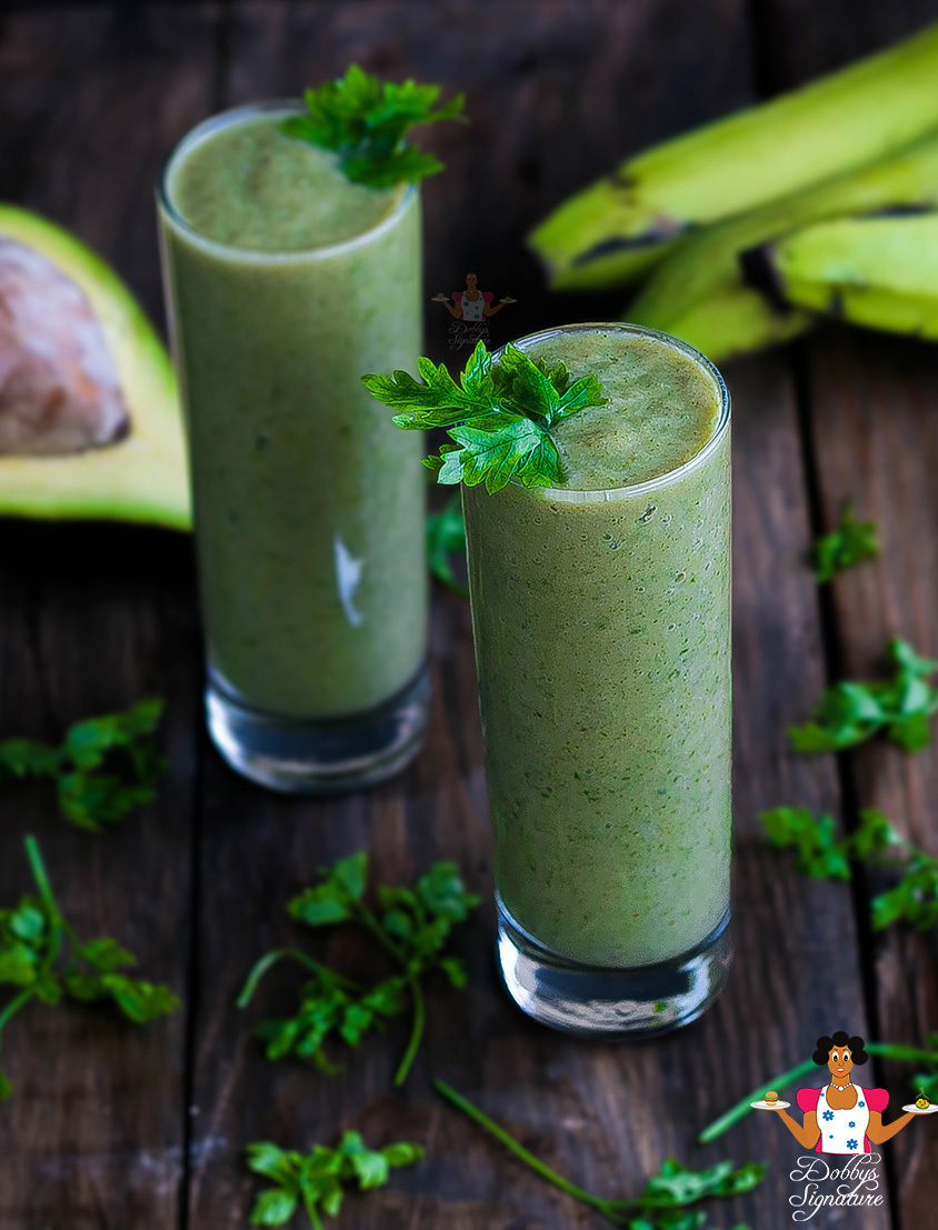 Avocado banana green smoothie