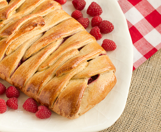 Raspberry Danish….#TwelveLoaves, #KingArthurFlour #Giveaway