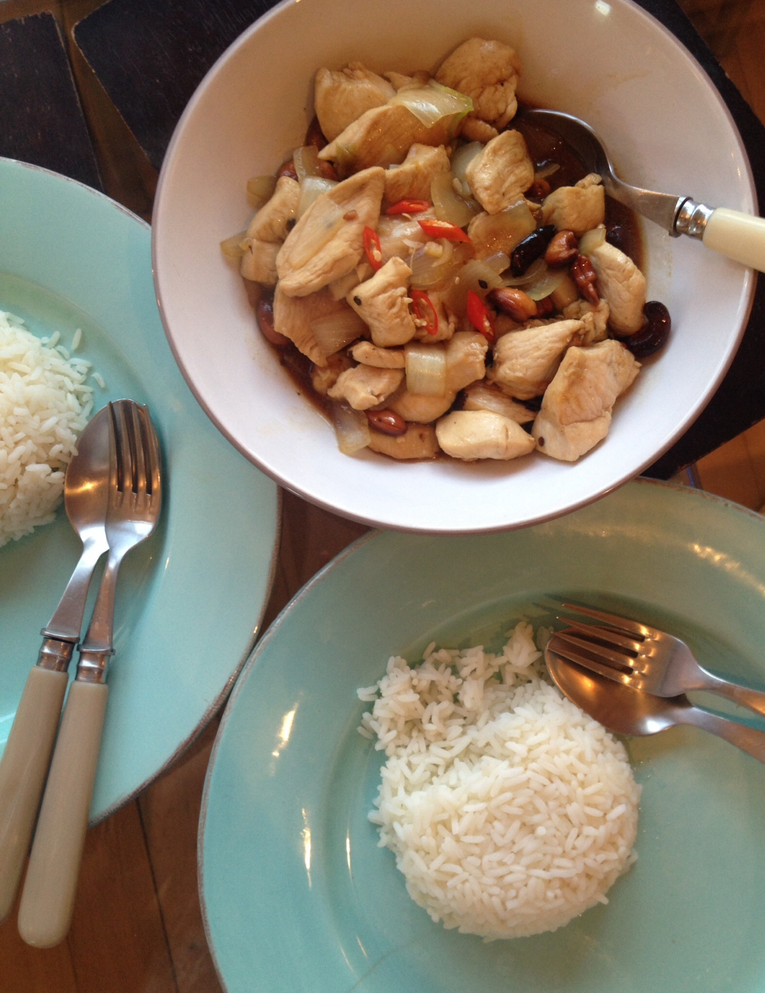 Gai pad med mamuang – stir fried chicken with cashew nuts