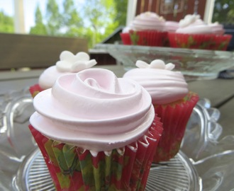 Minicupcakes med Angel Feather Icing