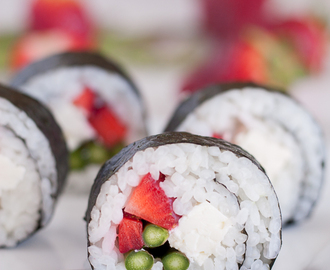 Sushi with Strawberries, Green Asparagus & Feta